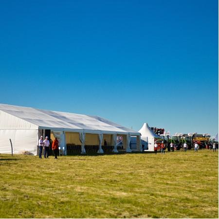 Двускатный шатер, пролет 15 м.