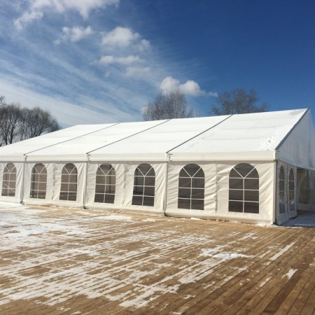 Двускатный шатер, пролет 20 м.